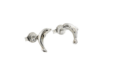 Zilveren oorsteker met een dolfijntje