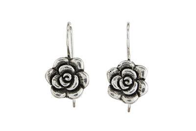 Zilveren oorhanger met zilveren roosje