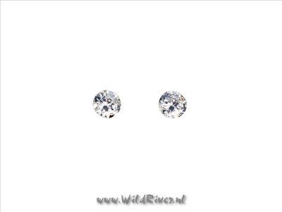 Zilveren oorknopje met zirconiasteentje