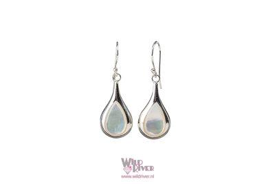 Oorhangers met melkachtig opaalkleurig Parelmoer Druppel